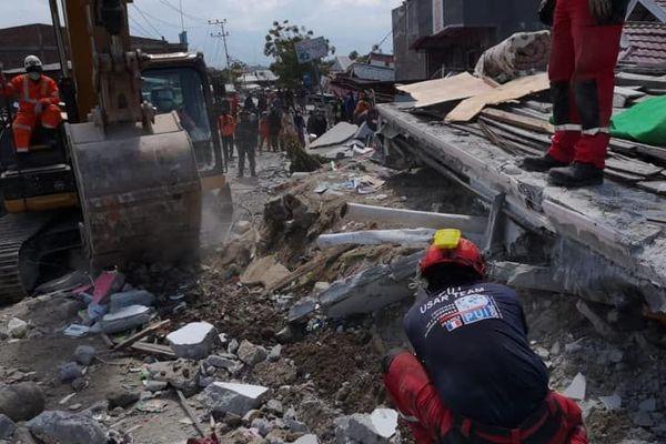 L'équipe PUI déployée en Indonésie à la recherche de victimes dans le quartier Balaroa, à Palu.
