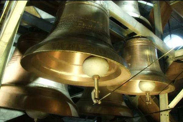 Quelques unes des 64 cloches du carillon de Rouen.