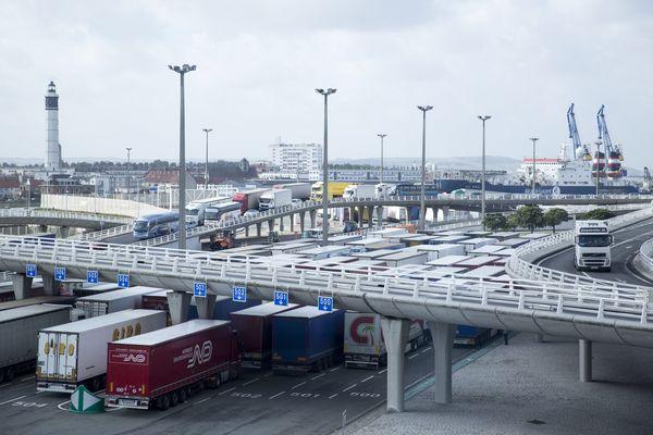 Le projet Calais-Port 2015 pourrait créer jusqu'à 2000 emplois dans le Calaisis.