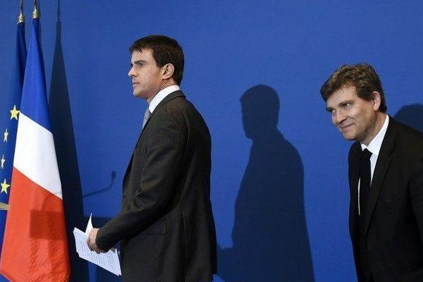 Le Premier ministre Manuel Valls et Arnaud Montebourg, alors ministre du Travail, le 12 mai 2014
