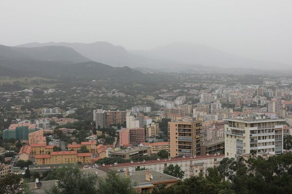 Ajaccio, lors d'un épisode de pollution aux particules fines, le 14 juin 2019.