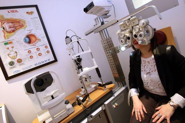 Une maison de santé est composée d'une équipe pluriprofessionnelle comprenant des médecins généralistes, des dentistes, infirmières, kinés ou ophtalmologues.