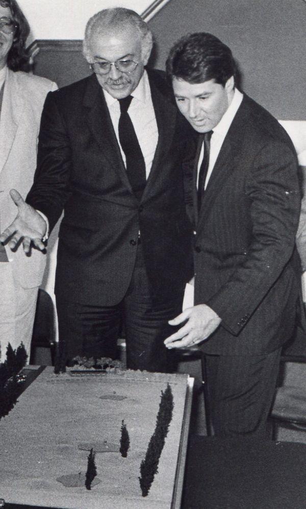 8 avril 1986 :  A gauche Jacques Médecin, maire de Nice et à droite Christian Estrosi.