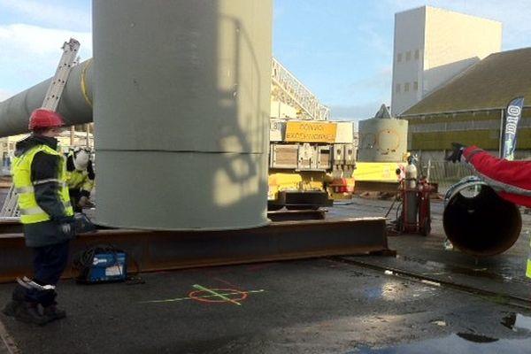 Début du montage de l'embase de l'hydrolienne