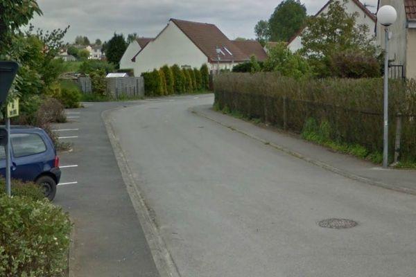 La rue Emile Duval à Nieurlet.