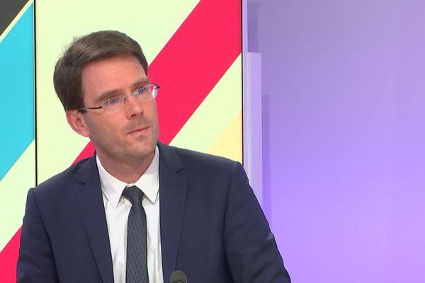 8 janvier 2021- Nicolas Mayer Rossignol, président de la Métropole Rouen-Normandie et maire de Rouen sur le plateau de France 3 Normandie.