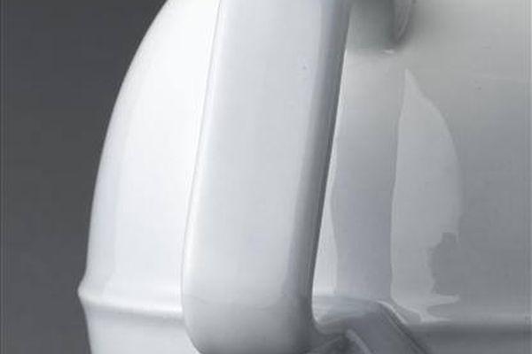 Détail d'une bouilloire électrique en aluminite de la manufacture Frugier de Limoges