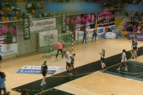 Fleury Loiret Handball - Hypo Nö - 32-22 - Match retour - Palais des Sports d'Orléans - 12 avril 2015