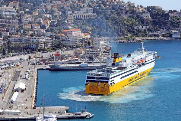 Avant de quitter le continent pour la Corse, en bateau ou en avion, il faudra présenter un test PCR ou antigénique négatif à compter du 19 décembre prochain.
