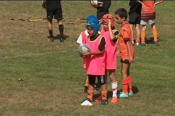 Les petits rugbymen de l'école du RC Narbonne
