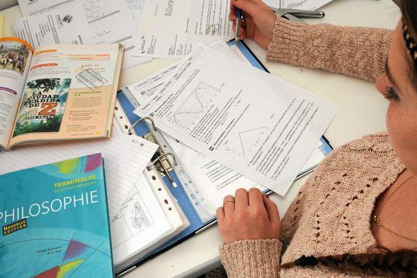 Il reste juste une semaine de révisions avant la première épreuve écrite du BAC.