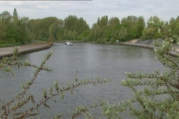 Long de 107 kilomètres entre Compiègne (Oise) et Aubencheul-au-Bac (Nord), le canal Seine Nord doit relier entre la Seine et le réseau fluvial de l'Europe du Nord.