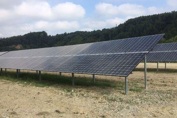 Près de 14 600 panneaux photovoltaïques pour la centrale solaire de Baud