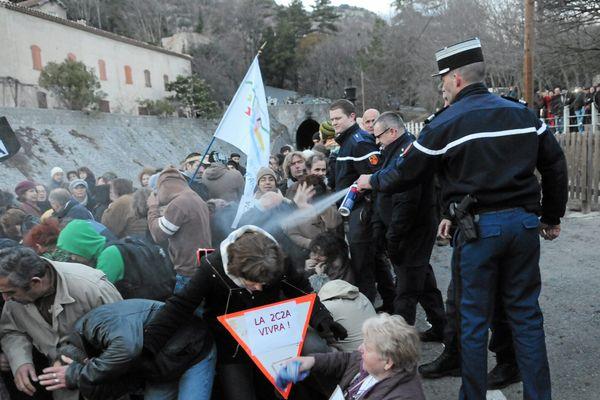 Anduze : le gendarme qui avait arrosé de gaz lacrymogène les manifestants en janvier 2011