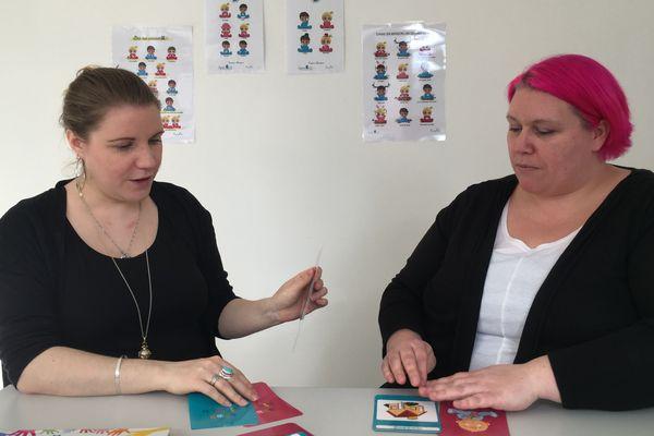 Les Amiénoises Stéphanie Nigita et Audrey Bénard sont des adeptes du bébé signe.