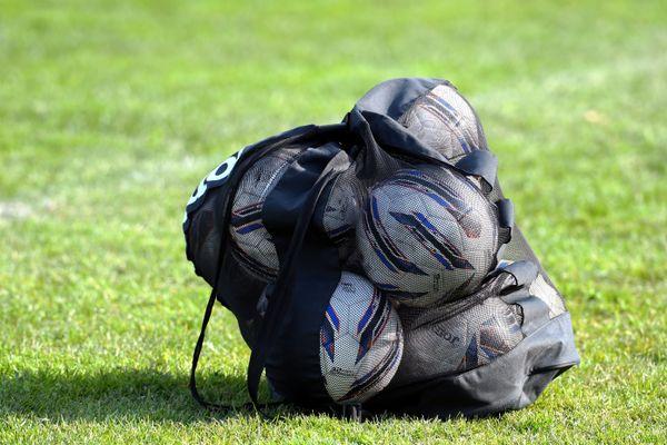 Un cadre du groupe professionnel du FC Chambly a été testé positif au covid-19. Le club de l'Oise a annulé son match amical contre Guingamp du 4 septembre.