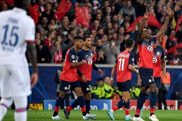 Victor Osimhen et les Lillois lors du match aller contre Chelsea au Stade Pierre-Mauroy (défaite 1-2).