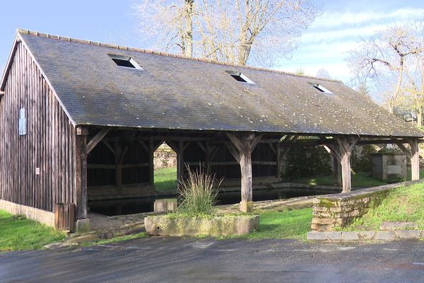 L'ancien lavoir de Dun-le-Palestel