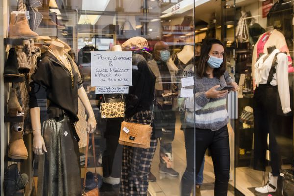 Les petits commerces misent sur les commandes en ligne pour survivre au reconfinement.