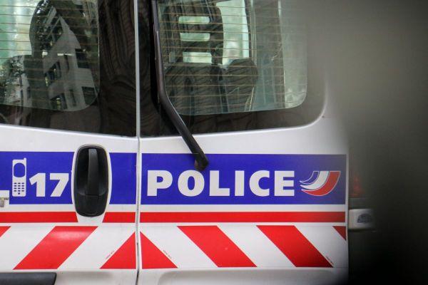 Le suspect aurait été interpellé à l'aéroport d'Orly.