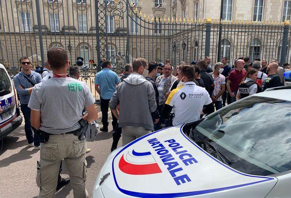 Une centaine de policiers ont participé à la manifestation troyenne