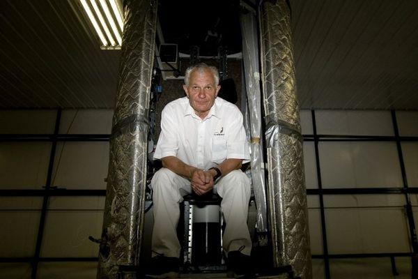 Michel Fournier, un bourbonnais né en 1944 à Treban (03), rêve lui aussi d'un destin stratosphérique. Depuis plusieurs années, il a en tête de monter à 40 kilomètres d'altitude et de s'offrir une chute libre à la Félix Baumgartner.