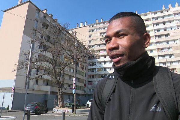 Covid-19 : la solidarité s'organise dans le quartier de la Maison Blanche à Marseille. Nair Abdallah, collectif des habitants du quartier.