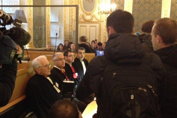 Les avocats dans la salle des Assises de la Cour d'Appel de Rennes