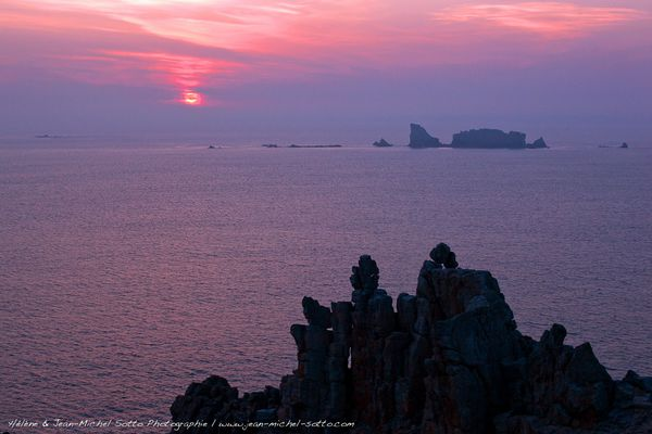 Au large de la Pointe de Pen Hir, le Rocher du Lion (Rocher du Toulinguet) - Presqu'île de Crozon - Finistère