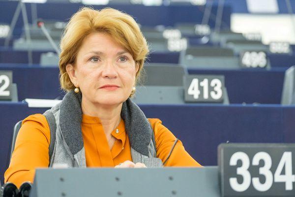 Angélique Delahaye (UMP) fait à 51 ans son entrée au Parlement européen