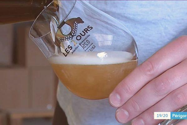 Une nouvelle bière artisanale en Dordogne qui témoigne de la vitalité du renouveau brassicole. Attention, l'alcool est à consommer avec modération.