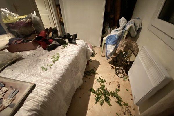 Dégâts à l'intérieur de la maison de Régis Germain, habitant de Château-d'Oléron (17), après le passage de la tornade du 23/09/2020.