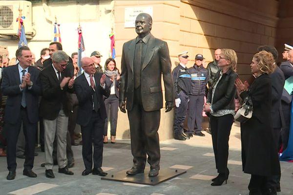 Une statue à l'effigie de Jacques Chirac dévoilée ce 8 février à Nice.