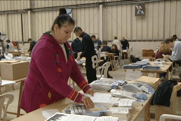 Elections départementales en Corse : la mise sous pli des professions de foi des candidats