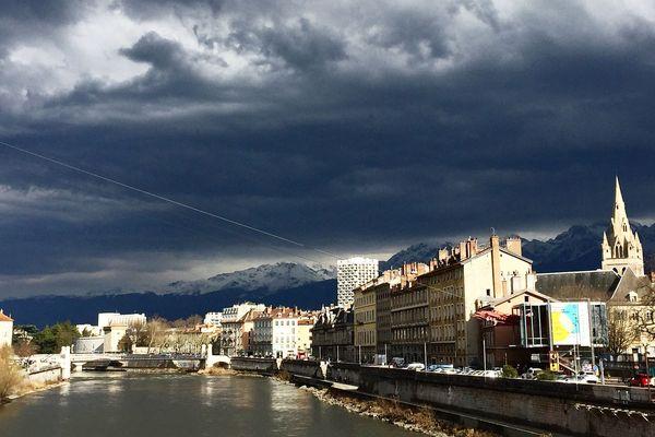 La pluie n'état pas tombée depuis 43 jours à Grenoble. (Archives)