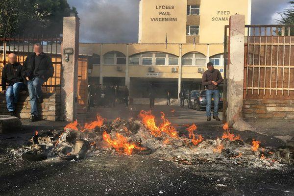 Bastia : Blocage des lycées en soutien aux supporters du SCB écroués