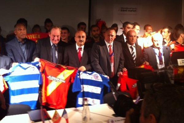 Ce jeudi à Paris, échange de maillots RC Lens/FC Bakou.