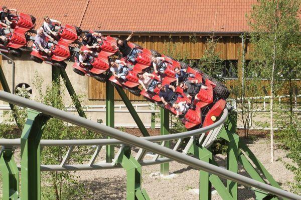 Le Pal est un parc zoologique et un parc d'attractions situé à Dompierre-sur-Besbre, dans l'Allier