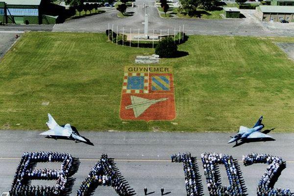 BA 102 et son personnel en 2004