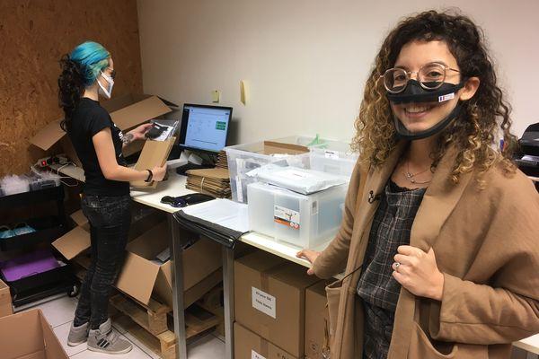 Anissa a créé son entreprise de masques inclusifs
