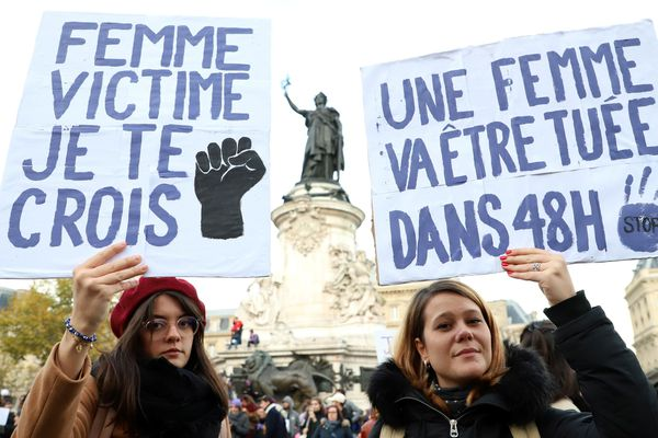 Des pancartes lors de la marche féministe du 23 mars - Photo d'illustration