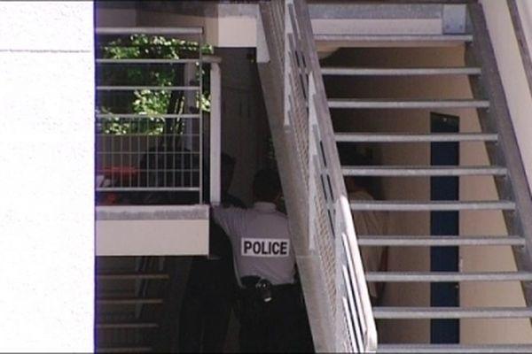 Dans le quartier des Cras, un drame familial s'est produit ce mardi 31 juillet. Un fils, qui sortait de l'hôpital psychiatrique de Novillars, a tué son père. C'était son 132ème séjour en HP.