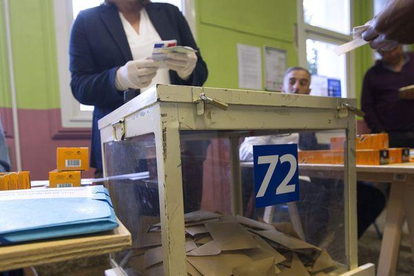 Premier tour des élections Municipales dans un bureau de vote de Montpellier le 15 mars 2020.