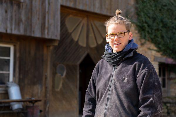 Barbara, la première arrivée à la ferme des Plaines, depuis le passage de témoin avec les anciens propriétaires.