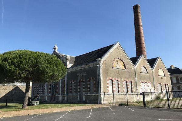 L'Usine Elévatoire, classée monument historique et propriété du Port, est prévue d'accueillir un projet de brasserie