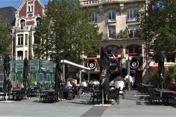 Dans un premier temps, les places seront seront limitées en terrasse des bars de la Grand place de Saint-Quentin.