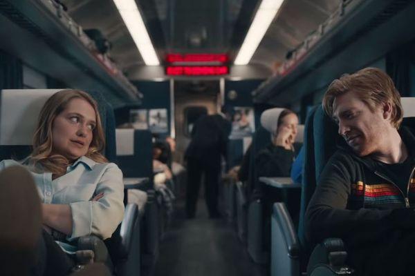 "Merritt Wever et Domnhall Gleeson dans ""Run"", la nouvelle série de Phoebe Waller-Bridge et Vicky Jones."