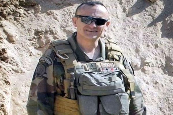 L'adjudant-chef Dejvid Nikolic est mort le 14 juillet 2014 alors qu'il effectuait une opération de reconnaissance dans le nord du Mali, selon l'Elysée.