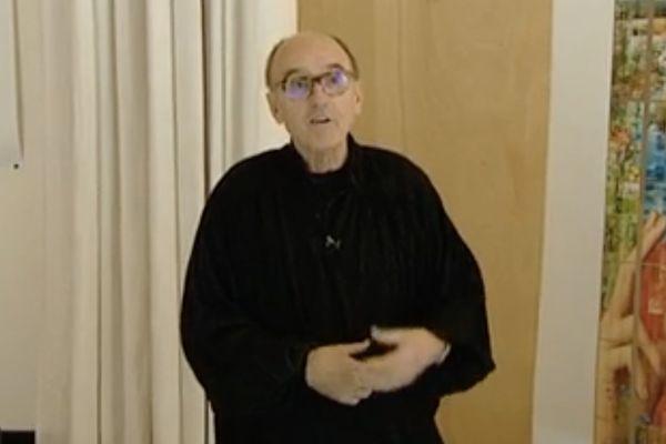 L'artiste et maître verrier Pierre-Alain Parot