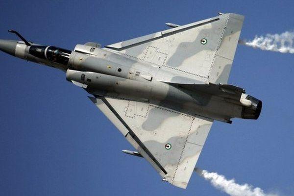 Un MIRAGE 2000 comme celui-ci, de l'escadron des forces aériennes stratégiques de la base aérienne d'Istres sera présenté par les pilotes à des classes de lycée et de collèges des Alpes-Maritimes.
